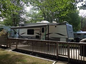 2014  24ft toy hauler camper new price