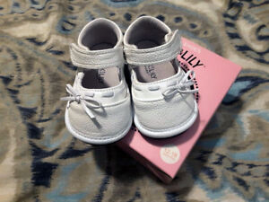 Like new Jack & Lily leather shoes size 12-18 months