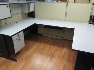 U shaped desk - work station / pupitre bureau en U West Island Greater Montréal image 1