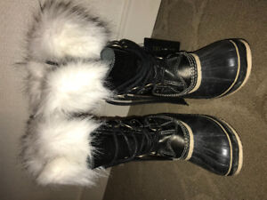 Winter boots !! For a very good price !! And they are very new