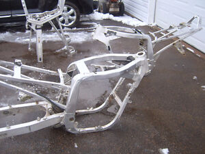 1988 gsxr 750 frame with papers