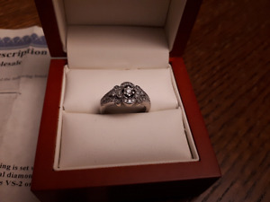 Lady's 14kt white gold and diamond ring
