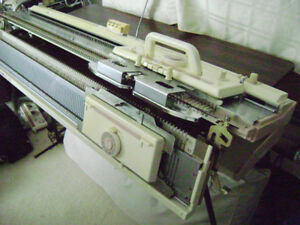 BROTHER 260 KNITTING MACHINE
