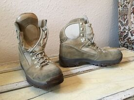 BRITISH MILITARY ISSUE MEINDAL COMBAT DESERT BOOTS
