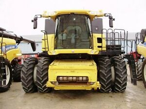 2011 New Holland CR9080 Combine London Ontario image 3