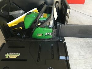 John Deere Chainsaw - CS46