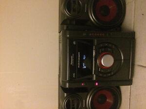 Panasonic Stereo And Speakers