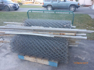 4 Rolls Galvanized 4 foot Chainlink Fence with Gate Posts & Caps