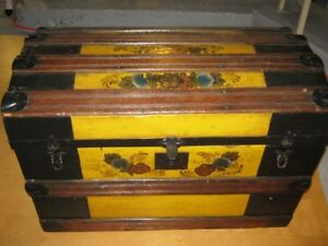 TURN OF CENTURY TURTLE BACK DOME TOP STEAMER TRUNK