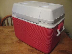 RUBBER MADE COOLER  with cup holders ON TOP . Cambridge Kitchener Area image 3