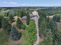 Log Home on 3.14 Acres (Parkland County)