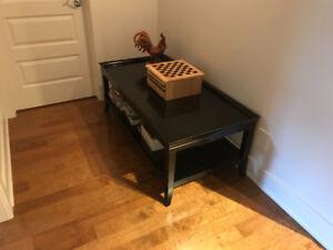 Table de salon noire