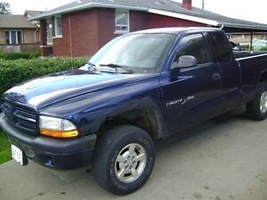 2001 Dodge Dakota Pickup Truck 4X4