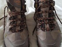 Traders Cotton black and chocolate walking boots size 4