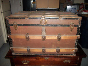 Vintage Storage / Travel Trunk