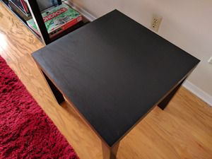 Side table/coffee table/plant stand - Excellent condition