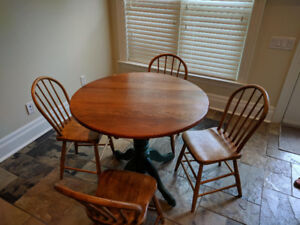 Pine table, chairs, corner cabinet
