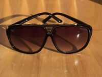 Brand new LOUIS VUITTON evidence sunglasses FREE postage | summer sale |