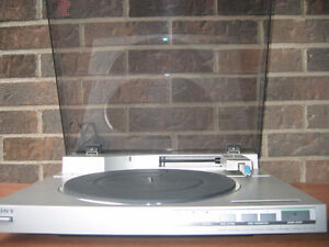 Vintage Sony PS - LX510 Linear Tracking, Quartz lock Turntable West Island Greater Montréal image 2