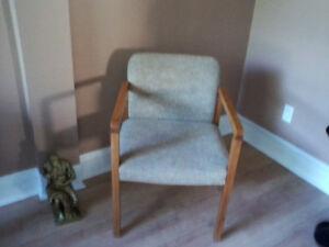 Chaise droite