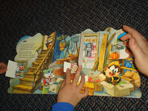 Baby Looney Tunes Visit a Haunted House Board book Lift The Flap Kingston Kingston Area image 6