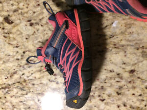 Keen shoes, toddler girl size 8