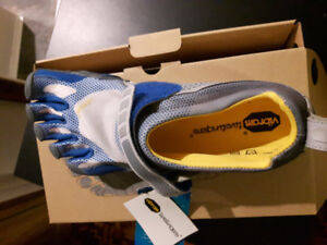 Men's Vibram Fivefinger Bikila Shoes Size 43