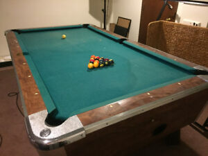 Used Bar style Pool Table for Sale, bargain