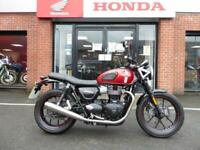 Triumph Bonneville 900 Street Twin and what a lovely bike.