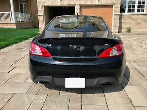2012 Hyundai Genesis Coupe Premium 2.0T Black on Black!