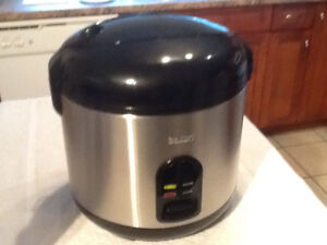 Salton Stainless Rice Cooker