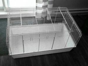 Très grande cage pour  (20x39x21 ) en très bonne état!