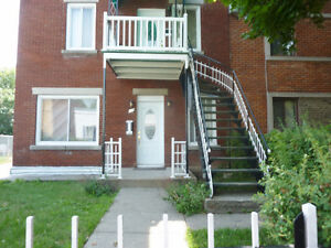 3 bedroom lower duplex - Lachine (St. Pierre area)