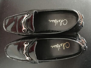 COLE HAAN PATENT LEATHER LOAFERS