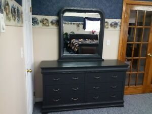 Gently used queen size 4 piece bedroom set for sale
