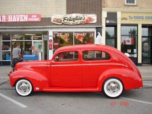 1939 Ford Deluxe Sedan Tudor