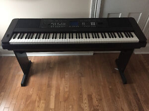 Yamaha DGX 650 digital piano