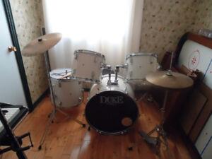 Drums (batterie) de marque Dixon