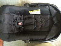 Newborn car seat £9