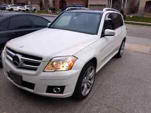 Gorgeous 2011 Mercedes GLK350
