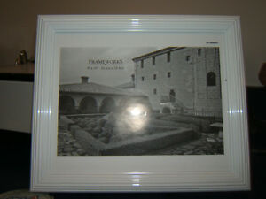 "WHITE 8"" X 10"" PICTURE FRAME Kingston Kingston Area image 1"