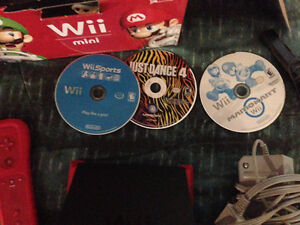 Wii mini comes with 3 games Windsor Region Ontario image 2
