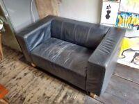 black leather sofa, 140x79 cm footprint. Shabby chic !?