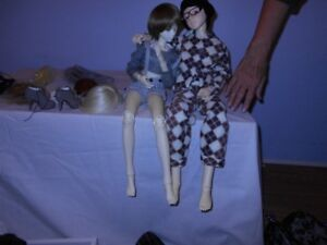 Ball joint dolls