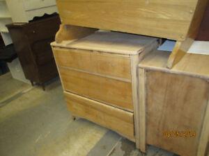 meuble de chambre antique sablé  75