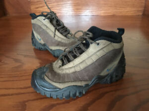 Excellent condition, Nike women's hiking boots