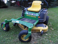 John Deere Zero Turn Riding Lawnmower, Like New Condition !!