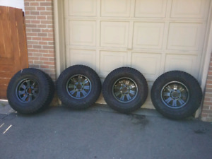 Brand new Pirelli scorpion AT tires on powedercoated 6x139 rims