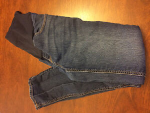 Size M Maternity jeans