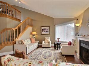 >>✅✅✅>>  2 Floors Condo + Mezzanine + Terrace + Garage + Parking